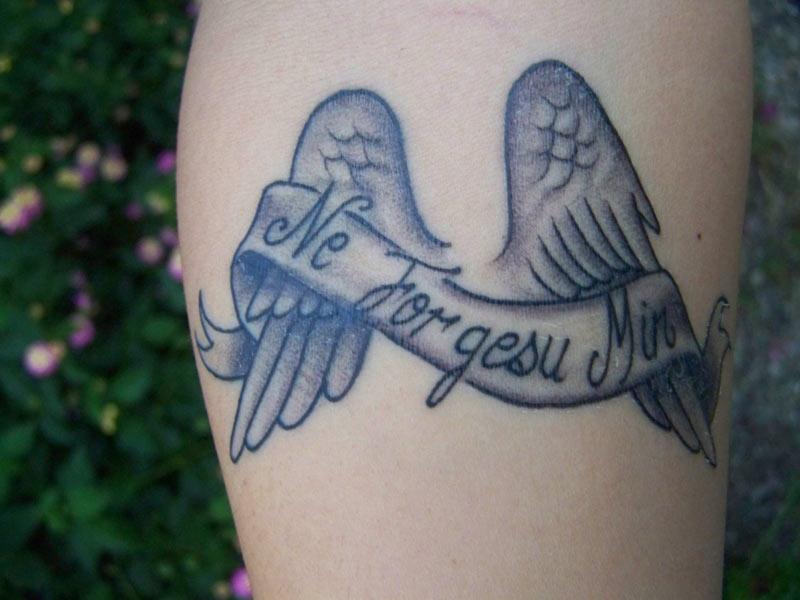 tatuaje-esperanto-ne-forgesu-min